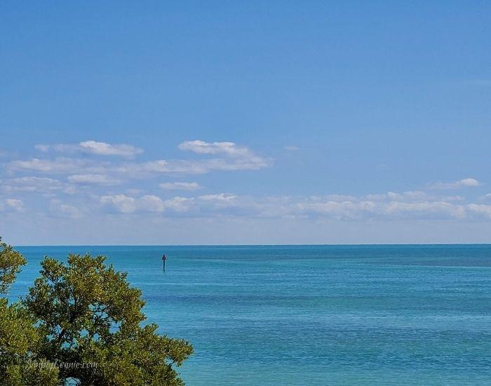 Florida Keys, Islamorada, Atlantic ocean across from Piers Historical Marker